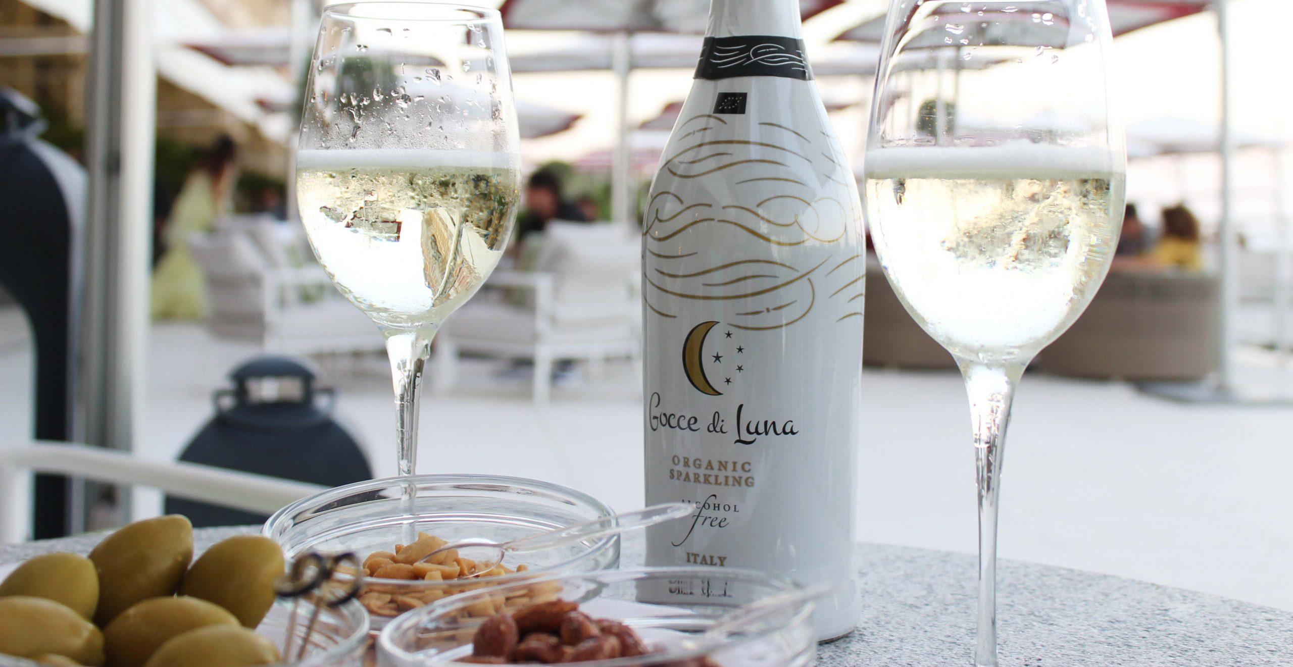 wine non alcoholic - gocce di luna